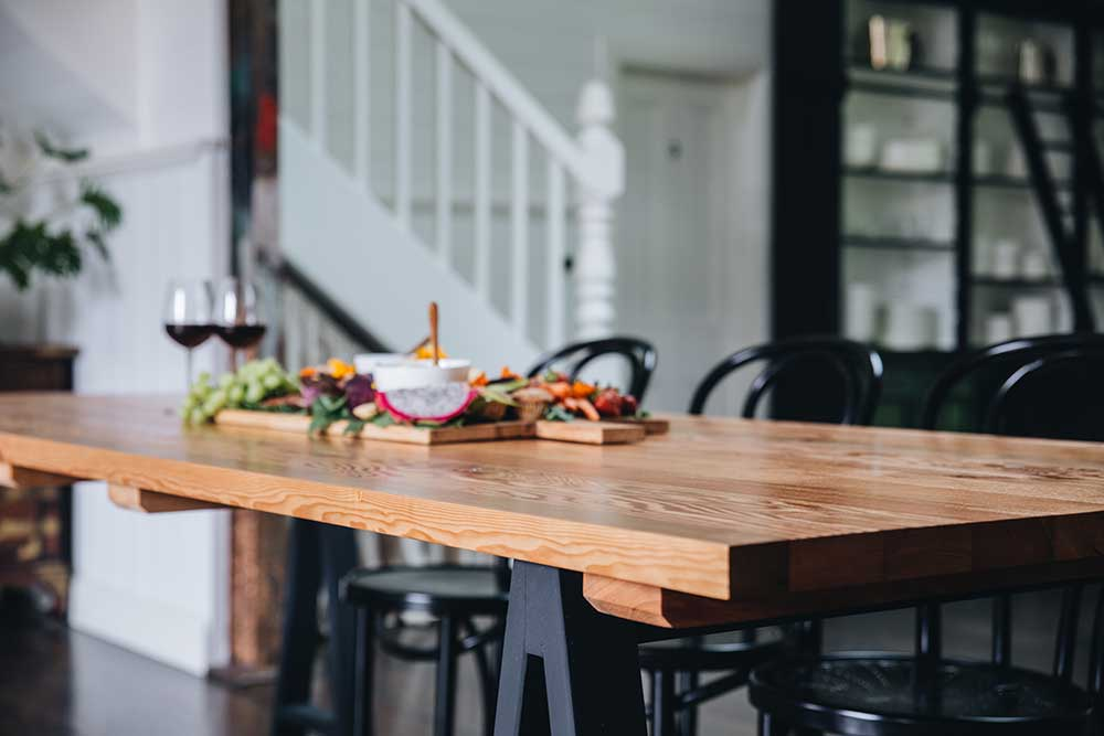 b5bf7033ee How to choose a dining table that is just right for your home, Plank and